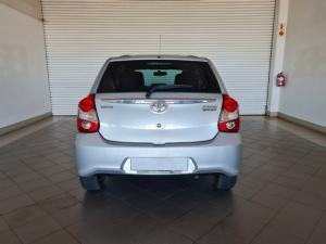 Toyota Etios hatch 1.5 Xs - Image 8