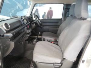 Suzuki Jimny 1.5 GLX AllGrip - Image 8