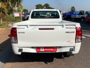 Toyota Hilux 2.0 S (aircon) - Image 6