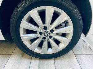 Volkswagen Polo hatch 1.0TSI Highline - Image 8