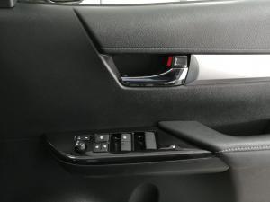 Toyota Hilux 2.8GD-6 double cab 4x4 Raider auto - Image 11