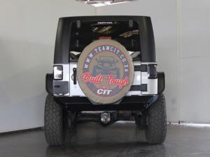 Jeep Wrangler 3.8L Rubicon - Image 3