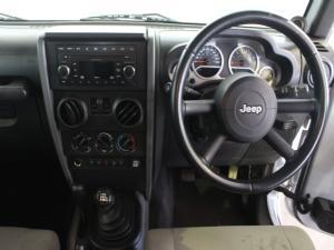 Jeep Wrangler 3.8L Rubicon - Image 7