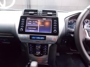 Toyota Land Cruiser Prado 4.0 VX - Image 9