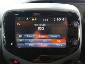 Toyota Aygo 1.0 - Image 19