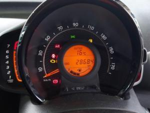 Toyota Aygo 1.0 - Image 20