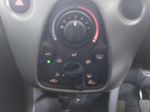 Toyota Aygo 1.0 - Image 22