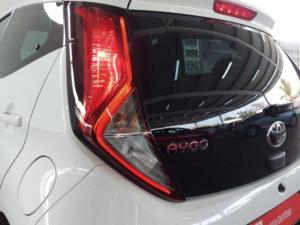 Toyota Aygo 1.0 - Image 24