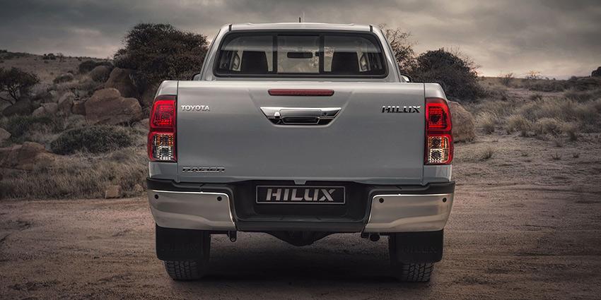 Commercial Hilux SC 2.4 GD-6 RB SR 6MT