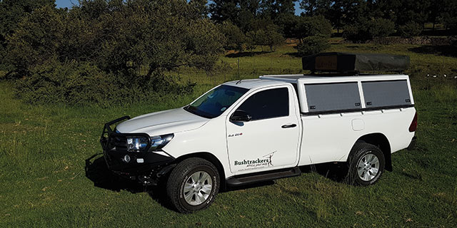 2.4 Hilux Single Cab 4x4 slide 2
