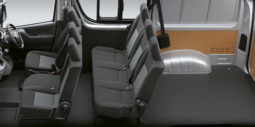 Commercial New Generation Quantum 2.8 SLWB GL Bus 14-s AT