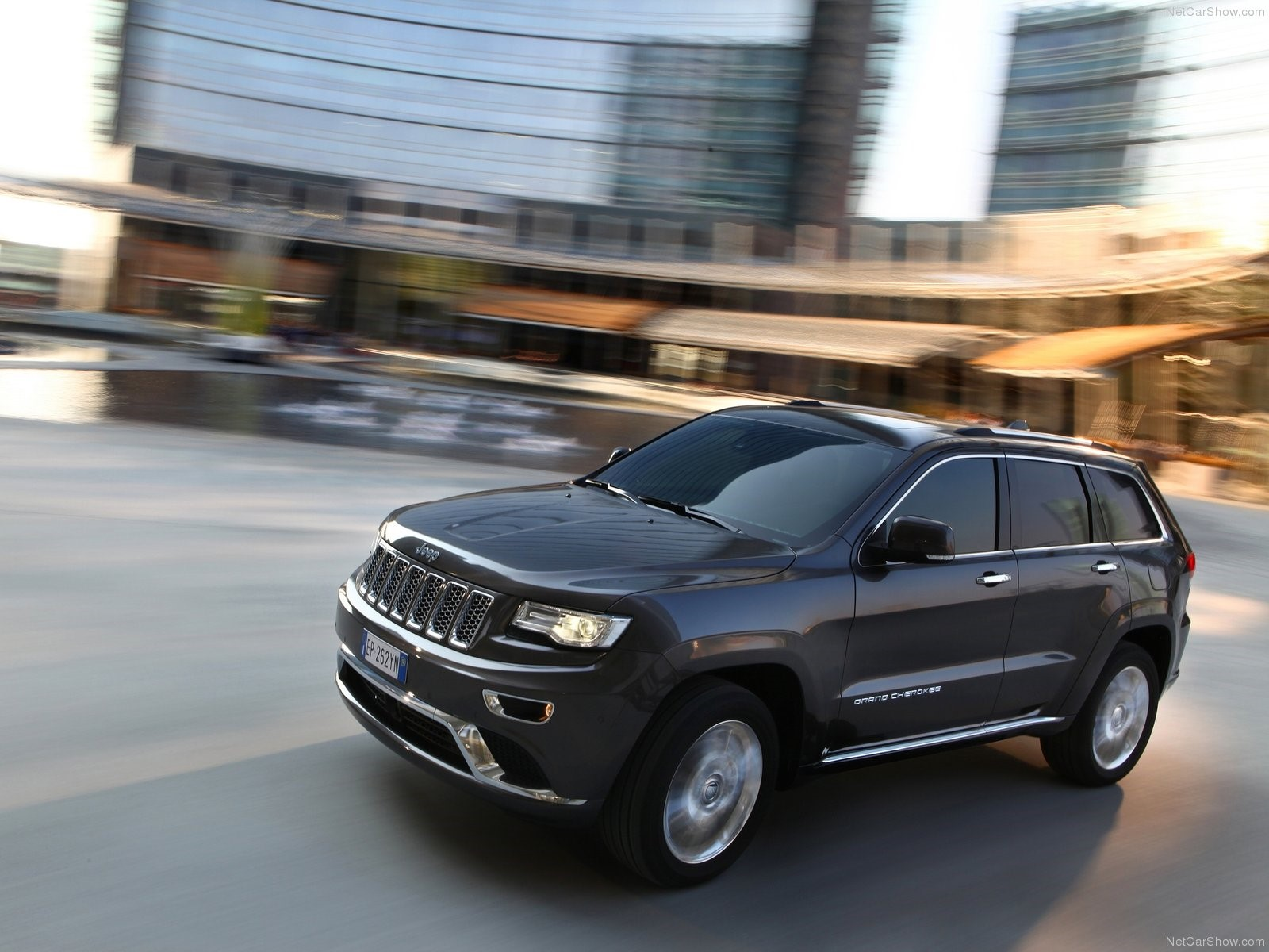 News autopacific names jeep grand cherokee best in class for 2017 ideal vehicle awards