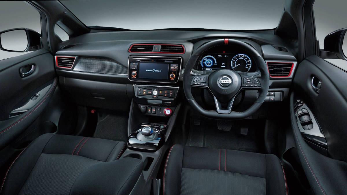 Nissan LEAF NISMO interior