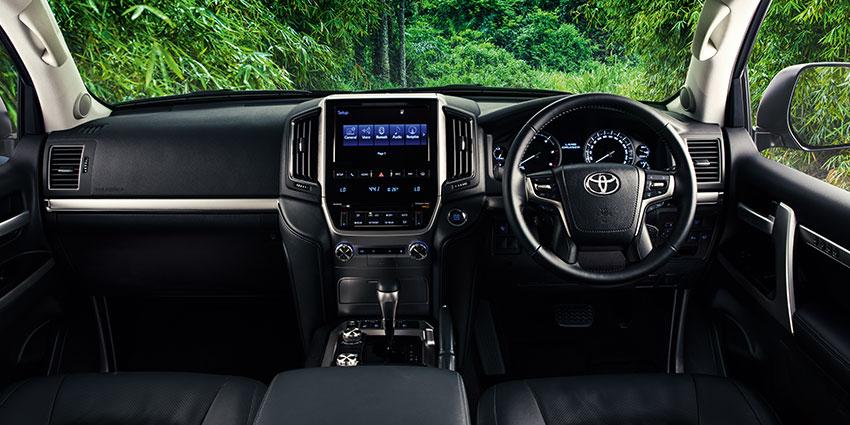 SUV Land Cruiser 200 4.5D V8 VX-R Brown 6AT
