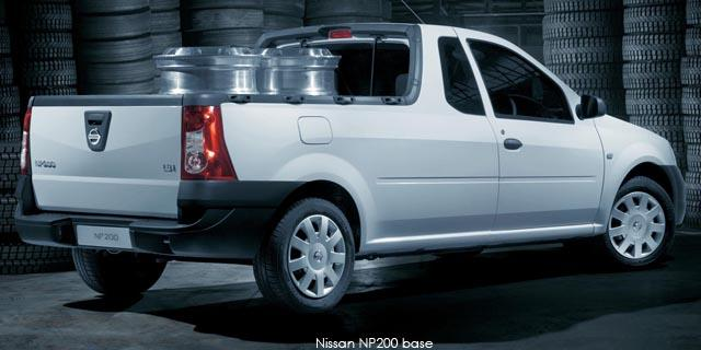 Nissan NP200 1.6 8V Aircon and Safety Pack