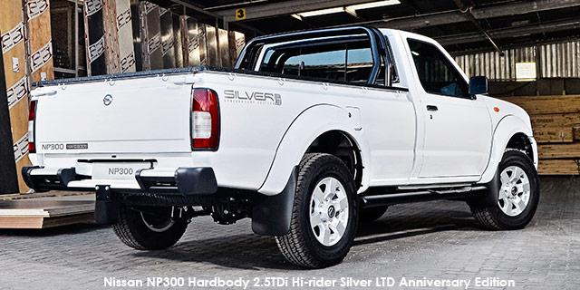 Nissan NP300 Hardbody 2.5DMID 4X4 SC Diesel