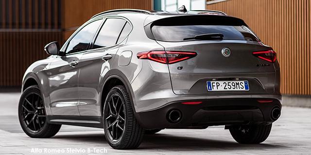 Alfa Romeo Stelvio 2.0T Black Tech