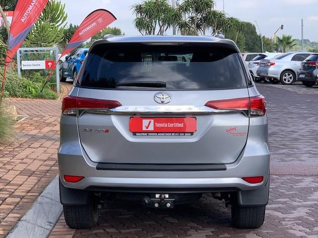 toyota fortuner 2 4gd